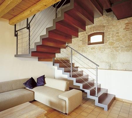 Dise o de escaleras para el interior de la vivienda for Diseno de escaleras interiores