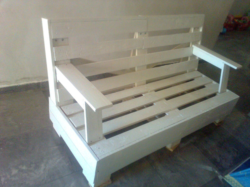 Dise ar muebles con palets muebles hechos con tablas de for Muebles de jardin hechos con tarimas