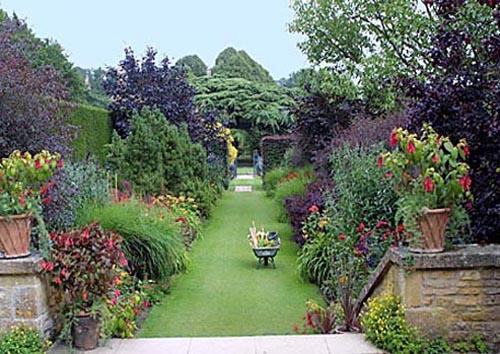 diseño del jardin de la casa de campo