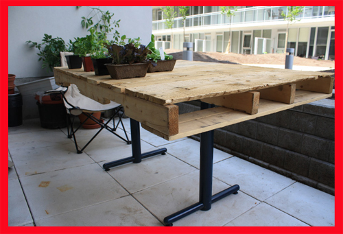 Dise ar muebles con palets muebles hechos con tablas de for Muebles con tarimas para cocina